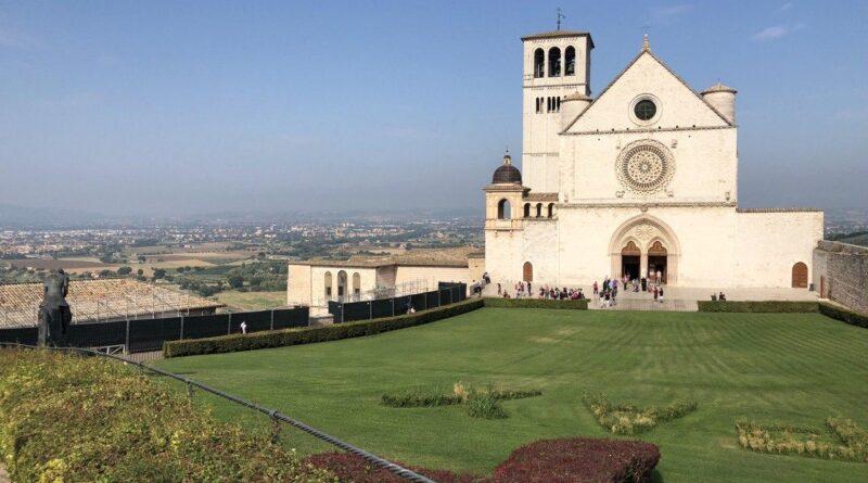 Basilica San Francesco. Padre Enzo Fortunato